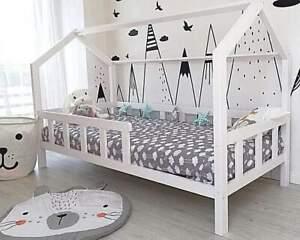 Kinderhaus Weiss Kinderbett 120 X 200 Cm aus Holz Hausbett Spielbett holz bett