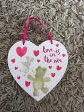 BRAND NEW LOVE IS IN THE AIR - HANGING WOODEN HEART SHAPED PLAQUE
