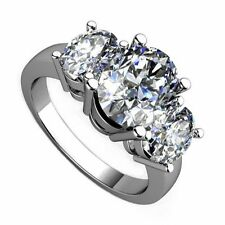 18kt I VS 2.00ct Three-Stone Oval Cut Diamond Engagement Ring