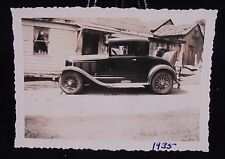 VINTAGE PIC 1935 OF CAR WITH DOG IN BACK SEAT PHOTO PHOPTGRAPH
