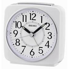 Seiko QHE140W tranquila barrido de segunda mano Pitido Despertador con repetición de alarma Blanco