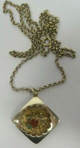 9 Carat Gold Hallmarked Necklace Diamond Shaped Pendant with Rose Center
