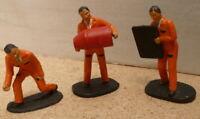 Vintage Scalextric figure 3 x pit crew  - trackside Scenery 1/32