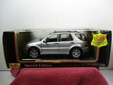 1/18 SCALE MAISTO SILVER MERCEDES BENZ ML55 AMG
