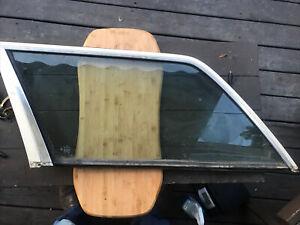 Mercedes Cargo Area Glass Left W123 Wagon 80-85 200T 230TE 240TD 280TE 300TD