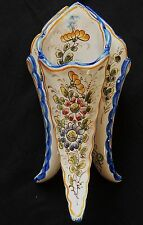 Bouquetière / 3 cornets / vase NEVERS (voir signature)