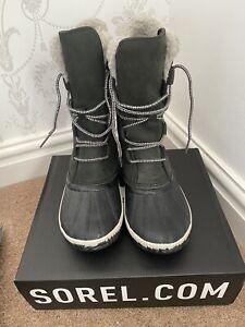 Sorel Ladies Waterproof Boots size 6
