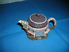 Hometown Teapot Cottages - Hardware Store pot with lid
