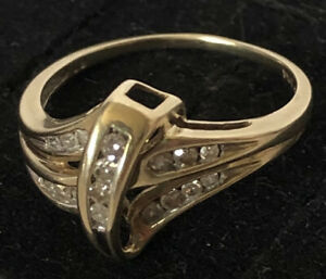 Vintage 14K Solid Gold Diamond Crossover Ring 2.5gm Sz 7.5 VERY ELEGANT!