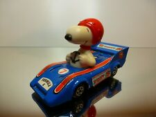 AVIVA TOY UNITED FEATURE SNOOPY IN RACE CAR - F1 BLUE L9.5cm - GOOD CONDITION