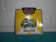 17.11.5.4 Voiture plastique CARS VW combi Fillmore Disney PIXAR 5.5cm