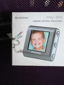"Digital Photo Keychain Brookstone My Life 1.5"" Scrn 62 photos"