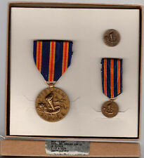 Fullsize and Miniature official issueBoxed US Vietnam Civilian SERVICE Medal Set