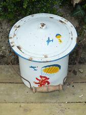 Ancien Jouet ou Seau de Toilette en Tole Emaillée décor d'Ourson Parachutiste