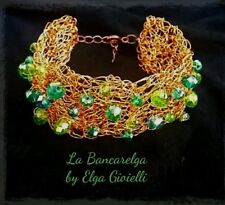 Bracciale artigianale in filigrana rame e cristalli verdi. Green copper bracelet