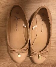 Ladies Flat Shoes, Size 5 Used