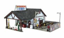 Woodland Scenics BR5048, HO Scale,Ethyl's Gas & Service Station, Built-Up