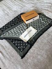 Louis Vuitton Monograma Bufanda De Seda/Lana Brillo