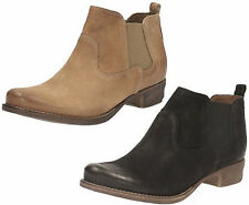 Clarks Ankle Low Heel (0.5-1.5 in.) Boots for Women