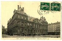 CPA 69 Rhône Lyon Palais du Commerce Place de la Bourse animé calèches