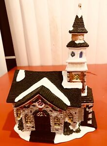 C05 - Vintage Holiday Church  - Christmas Collectable