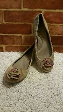 DR SCHOLL'S WOMENS PLEATED SUEDE BALLET FLATS BROWNISH TAN AND RED SZ 10M 2104