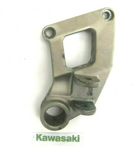 KAWASAKI ZZR600 ZZR 600 E PASSENGER RIGHT HAND FOOT PEG HANGER PILLION 1993 - 06