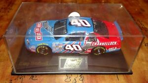 NASCAR REVELL KERRY EARNHARDT #40 1/24 SCALE CHEVY CHANNELLOCK