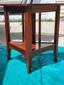Ethan Allen American Impressions  Triangle End Table #24- 8513 224 Autumn Cherry
