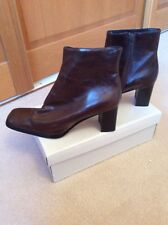 NEW. JANE SHILTON.   BROWN ANKLE BOOT. EUR 37.5  UK SIZE 4.5 LEATHER UPPER &SOLE