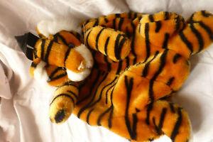 DeAgostini Tiger plush Backpack
