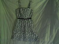 Alyn Paige Dress 9 10 Black and White Floral Cotton Spandex Sleeveless Casual