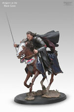 Aragorn at the Black Gates - LotR Polystone Statue SideShow Collectibles