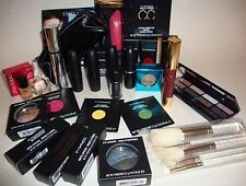 MAC COSMETICS 32 PIECE LOT EYESHADOW LIPSTICK BRUSHES BAG ESTEE CLINIQUE