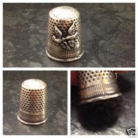 1 antiker Fingerhut verziert mit Tauben 800er Silber  gestempelt 800