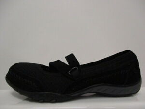 """Skechers Relaxed Fit Breathe Easy Shoes Ladies UK 4 US 7 EUR 37 Ref.F819""""R"""