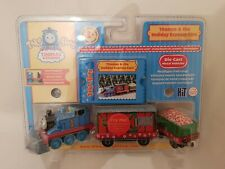 Thomas & Friends TAKE N AND PLAY ALONG THOMAS AND HOLIDAY EXPRESS CARS NEW BOXED