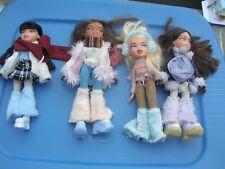 Bratz  Lot 4 Winter Dolls, Clothes and 65 Accessories