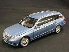 Minichamps Mercedes-Benz E-Class T-Modell 1:18 Indigolith Blue (JS) DV