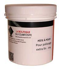 Pâte à polir pour polissage extra fin des stratifiés polyester ou époxy.