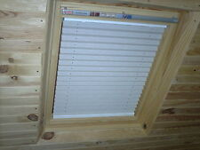 WHITE BLACKOUT PLEATED BLIND for VELUX GGL1, M04 or 304