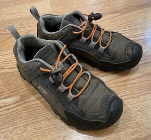 KEEN Size 3 Youth Outdoor Trail/Hiking SHOES 22cm
