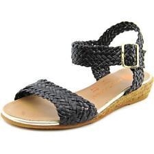 Sandali e scarpe nere per il mare da donna dalla Spagna
