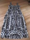 LADIES CUTE BEIGE & BLACK LINED SLEEVELESS POLYESTER DRESS BY GRACE HILL SIZE 16