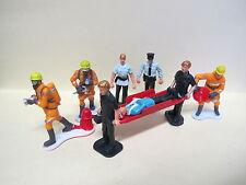 """NewRay 1:32 Figuren """"Rettungseinsatz"""" 9-teilig  Polizei + Feuerwehr + Sanitäter"""