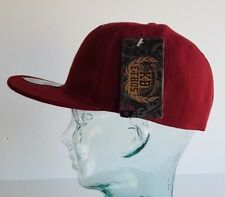 KB ETHOS FITTED PLAIN CAPS FLAT PEAK BNWT SNAPBACK/BASEBALL CAP BURGUNDY/RED
