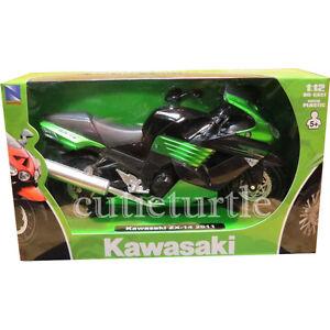 New Ray 2011 Kawasaki ZX-14 Ninja Bike Motorcycle 1:12 Diecast 57433 Green
