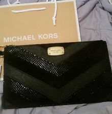 MICHAEL KORS JET SET ITEM LG. ZIP CLUTCH LEATHER  ~ $148 with tag