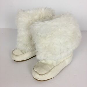 Girls Size 9 Toddler GYMBOREE Winter White Boots Faux Fur and Suede Adorable