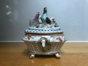 VINTAGE GLAZED CHINA TRINKET BOX FRENCH STYLE WITH BIRDS - MOTHERS' DAY GIFT